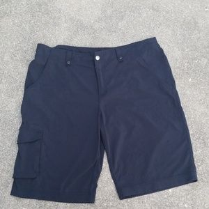 Lucy Bermuda Shorts Black, Size 14